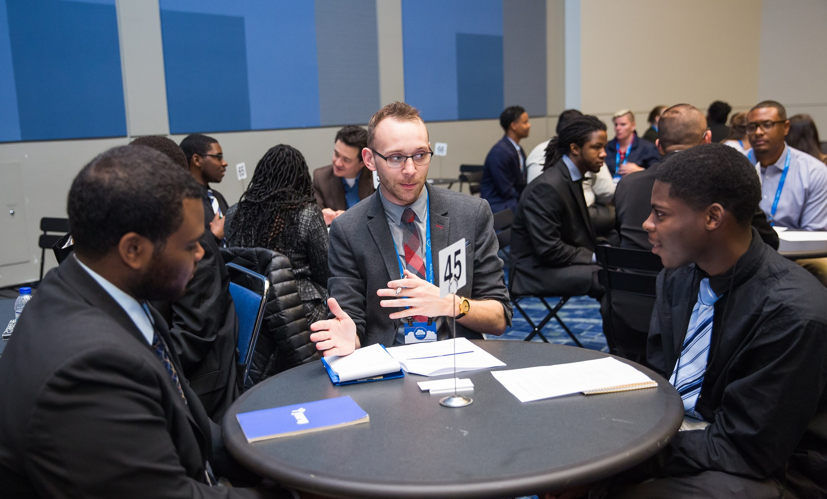 Workday customers mentored Year Up Students at Workday Rising in Chicago.